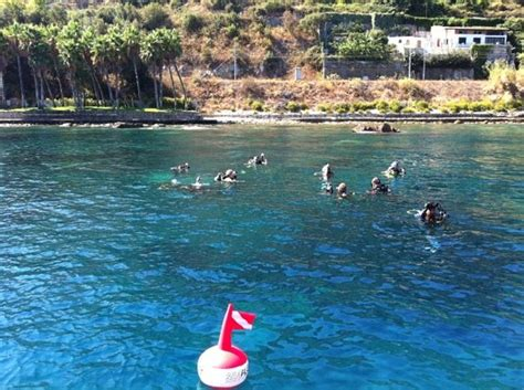 dive sicily a discover scuba diving course around the clear water of
