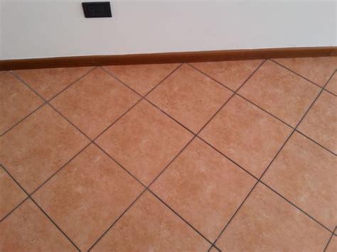 colore per pavimenti colore porte per pavimento in cotto