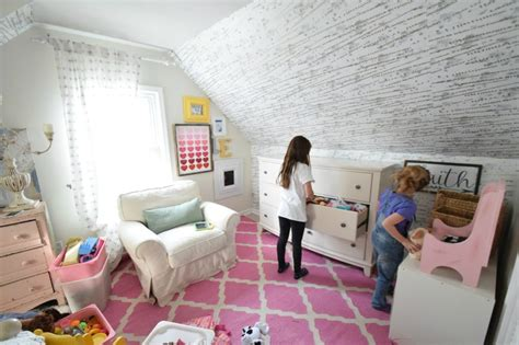 how to keep a bedroom clean how to keep a kids room clean and organized in a small
