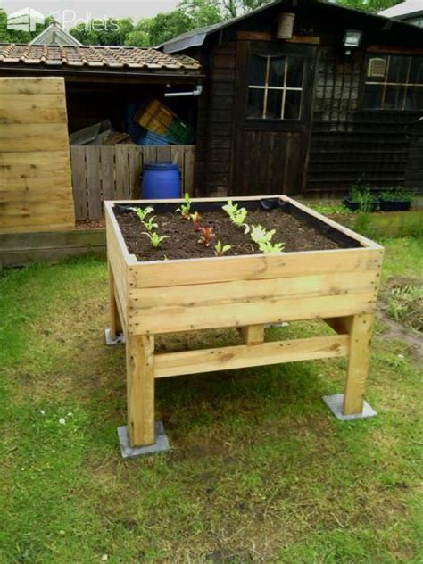 Vegetable Planters For Deck by 17 Best Ideas About Vegetable Planters On