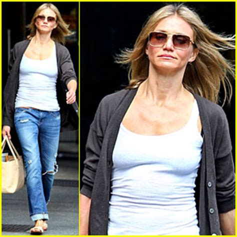 Cameron Diaz Steps Out With Purse by Cameron Diaz Steps Out After Split With Alex Rodriguez
