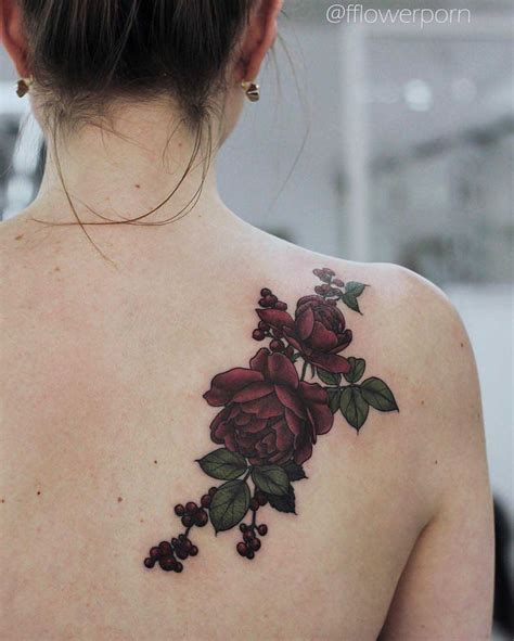 tattoo on the shoulder blade hurt best 25 shoulder blade tattoos ideas on pinterest