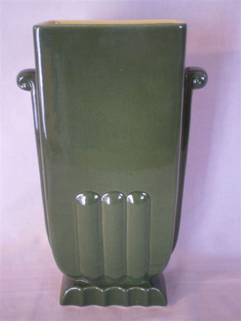 Wing Usa Vase by Vintage Wing Usa Pottery Deco Green Vase 405 10 5 8 Quot Redwing Beautiful Ideas