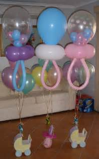 baby shower balloons on balloon columns
