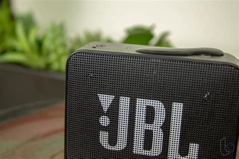 jbl   portable speaker review big sound itty bitty