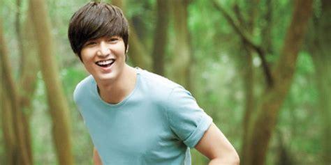 Gi Kaos Sjk Kaos Song Jong Ki foto syuting heirs min ho tak ganteng