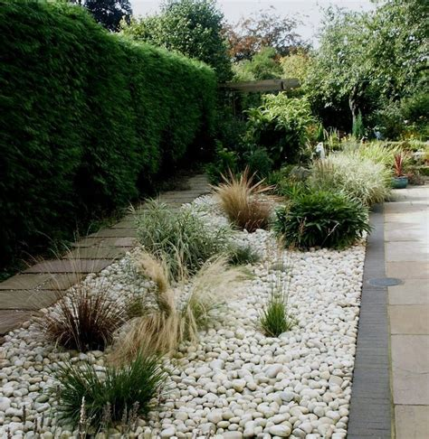 Pebble Garden Ideas White Pebble Garden Bed Plants Gardens Landscape Outdoor Space Gardens