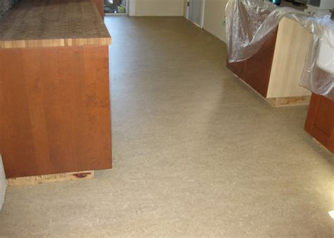 linoleum flooring expectancy 28 images flooring right arm construction home remodeling
