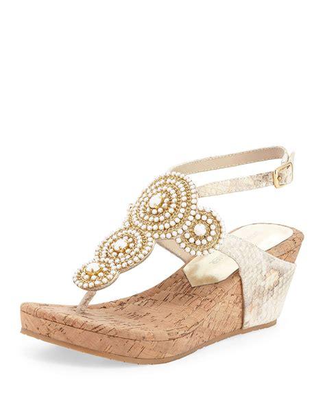 donald j pliner geegi snakeskin wedge sandals in white