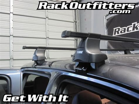 Tacoma Thule Roof Rack by 2012 Toyota Tacoma Cab Thule Traverse Square Bar Base Roof Rack