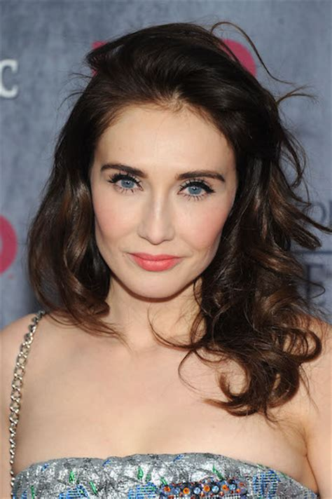 game of thrones actress red woman will the red woman rescue jon snow on game of thrones