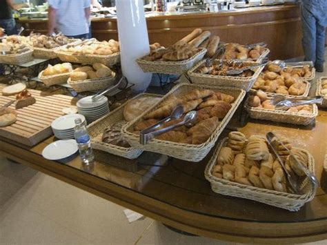 breakfast buffet picture of intercontinental budapest