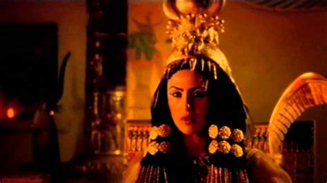 how did die the unsolved of cleopatra clip
