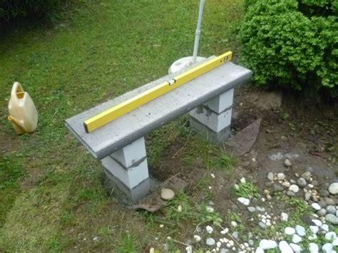 banc beton le petit banc piments et bananier