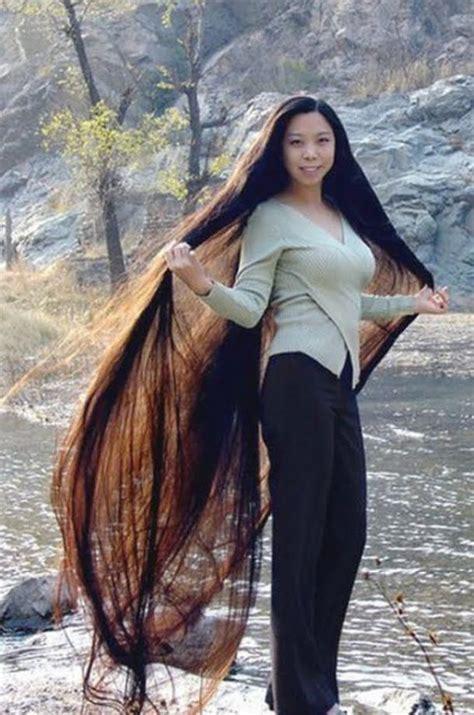 Menulis Sosok Secara Inspiratif Menarik Dan Unik omegaart wanita wanita cantik alami dengan rambut terurai