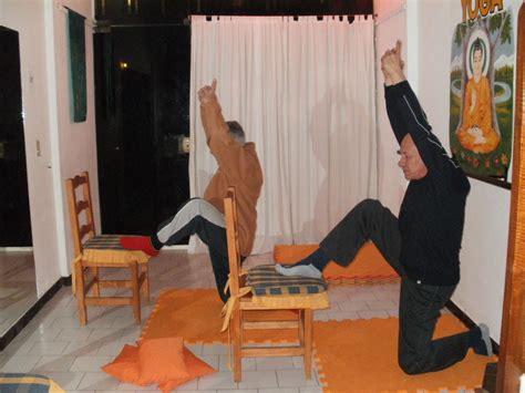 imagenes de yoga en silla instituto de yoga samadhi san bernardo ejercicios de