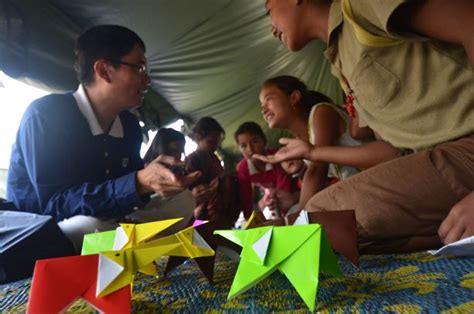 Tenda Anak Gajah gempa nepal kekuatan sebuah kertas yayasan buddha tzu