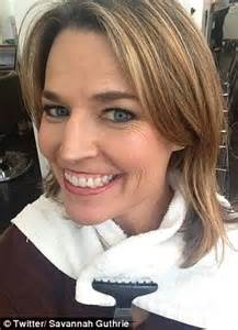 savannah guthrie hairstyle savannah guthrie debuts red hair on today show ditches
