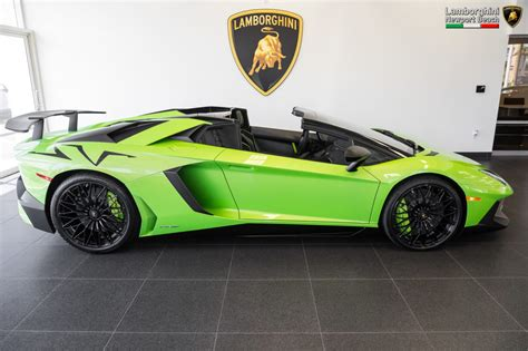 lamborghini aventador sv roadster vs coupe verde ithaca 2017 lamborghini aventador sv roadster sold and delivered