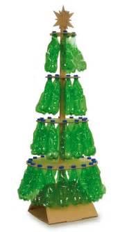 193 rbol de navidad hecho con materiales reciclados