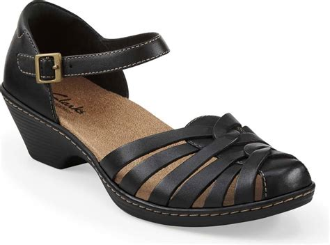 closed toe strappy sandals clarks s wendy land free shipping free returns