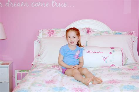 little girl beds young little girl sleeping in bed hot girls wallpaper