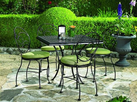 Chic Patio Furniture 40 Wrought Iron Patio Furniture Sets For A Stylish Outdoor Area