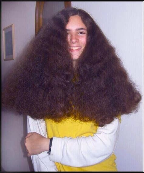 Drying Curly Hair With A Brush by 10 Things Only Curly Haired Will Understand