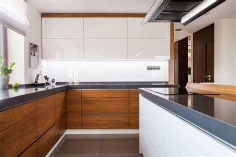Veneer Kitchens ? Aluminum Glass Cabinet Doors