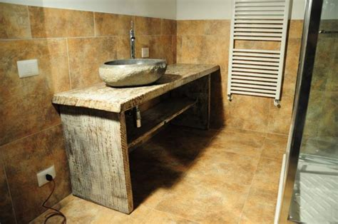 mobili da bagno rustici mobile bagno rustico shabby chic decorato a valmontone