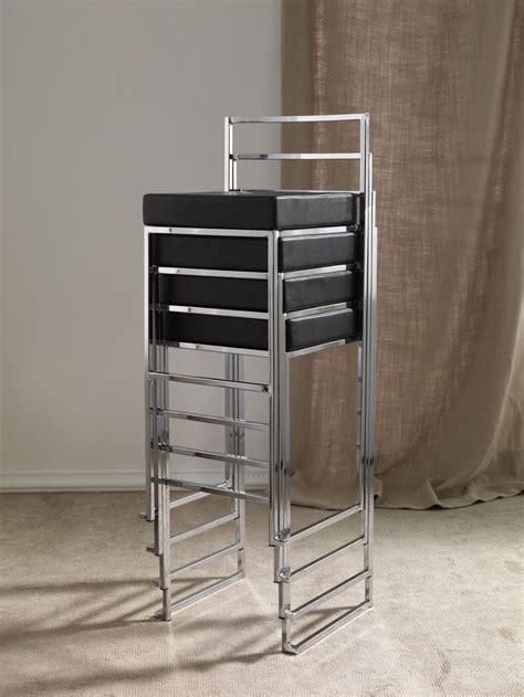 sgabello impilabile sgabello impilabile in metallo cromato bianco o nero mendy