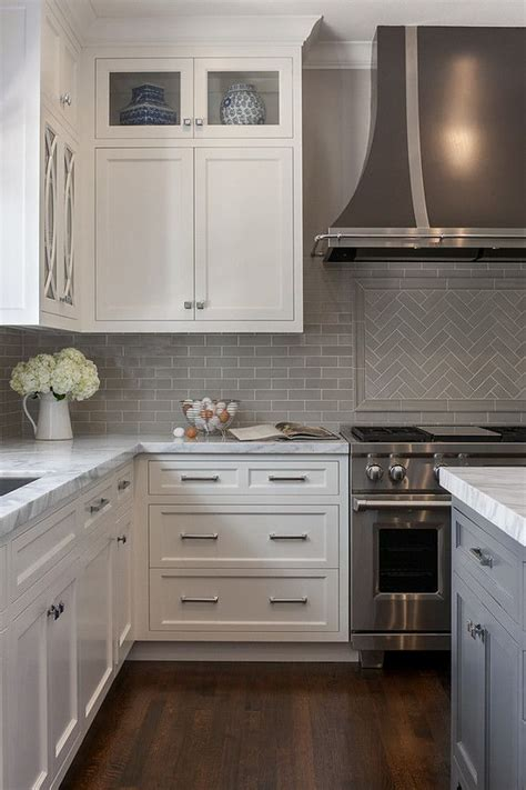 kitchen backsplash with white cabinets best 25 grey backsplash ideas on gray subway