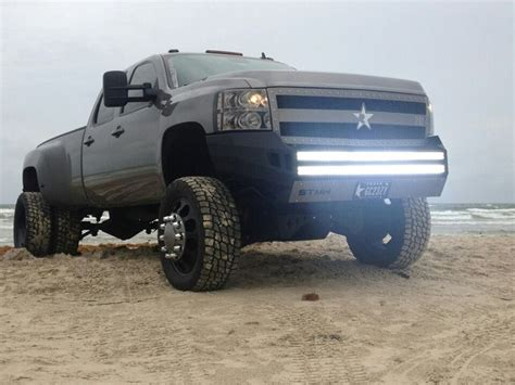 Trucks With Led Light Bars Diggin The Led Light Bars In The Bumper Trucks