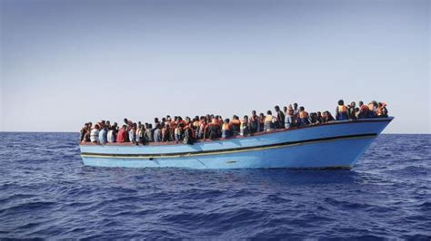 refugee boat sicily unhcr hundreds of migrants feared dead in new