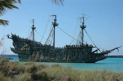 nave olandese volante olandese volante pirati dei caraibi barche yacht nel