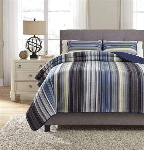 Navy Blue King Quilt Jayson Navy Blue King Quilt Set Q333003k