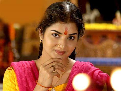 biography of film star rajkumar 5 top actresses launched by parvathamma rajkumar filmibeat