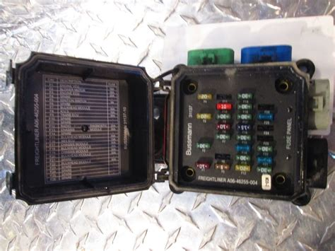 2006 Freightliner Business Class M2 112 Fuse Panel A06