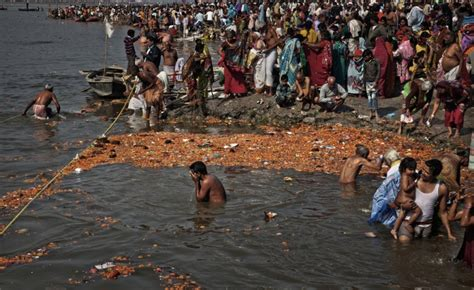 bagno gange gange images photos and pictures