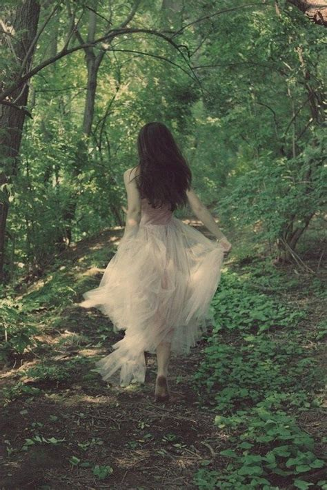libro the barefoot queen best 25 forest photography ideas on forests treehugger wallpaper and white birch trees