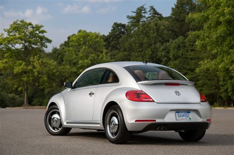 volkswagen beetle 2015 2015 volkswagen beetle photo gallery autoblog