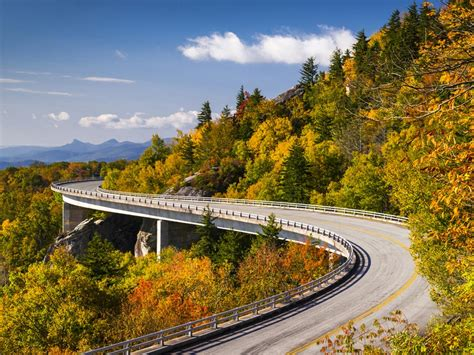 blue ridge parkway blue ridge parkway usa map facts best time to visit