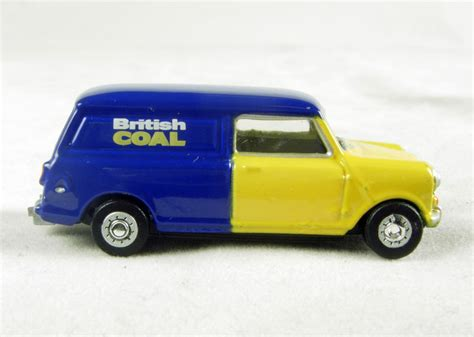 Oto024 Blue Yellow Hattons Co Uk Oxford Diecast 76mv024 Mini In