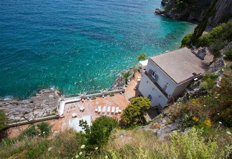 vendesi casa al mare oltre cento dimore storiche in vendita ville e castelli