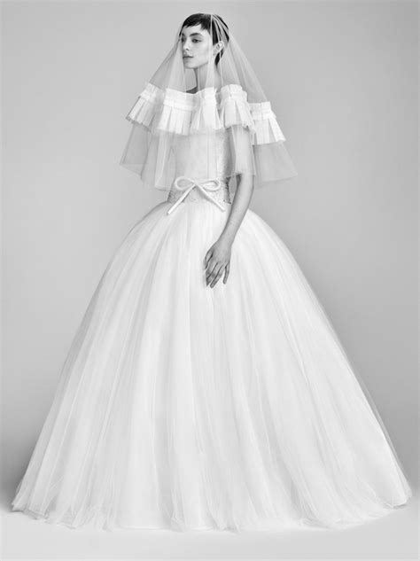 Viktor Rolf Preview Wedding Themed Collection For Hm by Viktor Rolf Bridal 2018 Collection Tom Lorenzo