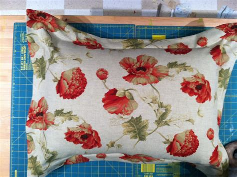 Pillow Sham Tutorial by Oh Sew Thrifty Pillow Sham Tutorial