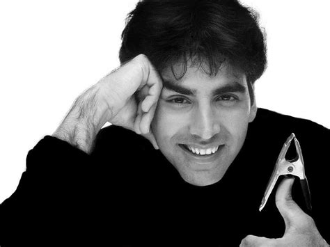 akshay kumar in white highlited hair style pic marvellous akshay kumar wallpaper