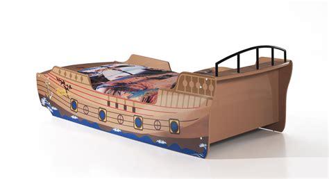 piraten bett piratenschiff als bett mit lattenrost f 252 r kinder kaufen