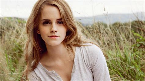 emma watson ultra hd wallpaper emma watson wallpapers pictures images