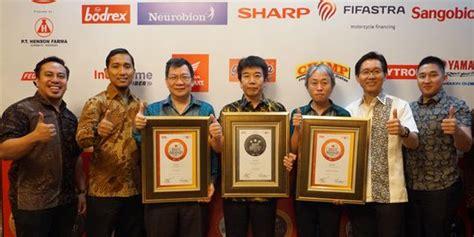 Tv Sharp Makassar tiga produk sharp raih penghargaan sebagai merek terbaik